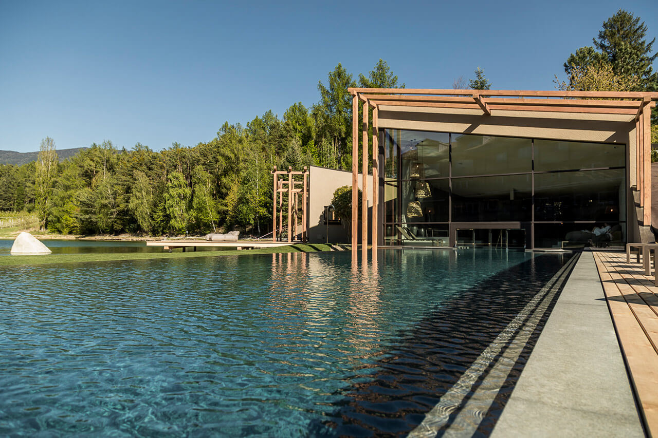 Hotel con piscina a bressanone valle isarco seehof nature retreat - Piscine con scivoli bressanone ...